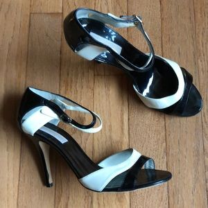Michael Kors Stiletto Heel 8 Black & White NEW!